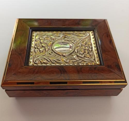 Caja joyero Vintage de madera raíz y plata de ley - 3,2x9,7x7,6 cm