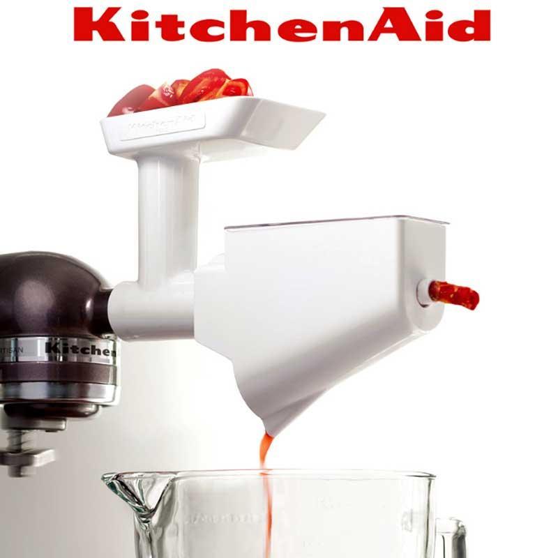 Colador frutas y verduras Accesorio Kitchenaid FVSP - Colador frutas y verduras accesorio valido para todos los Robots de Cocina KitchenAid. Características: - Ideal para preparar purés, compotas, salsas, sopas, rallador pasador de tomate. - No solo reduce los ingredientes a puré sino que además separa la pulpa de las pepitas y pieles. - Necesita del accesorio 5FGA ( acc. Picadora de carne) para poder usarse. - Duradero y de fácil limpieza. Este accesorio transforma amasadora batidora mezcladora Kitchen Aid en un robot de cocina profesional, perfecto ayudante de cocina que combina eficiencia, diseño y potencia.