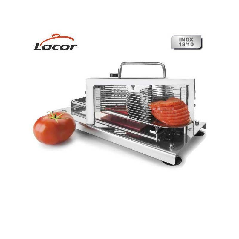 Maquina corta tomates Lacor 60510 - Profesional - Maquina cortadora de tomates Lacor 60510 pensada para uso profesional en hostelería, catering, comedores o cocinas industriales. Es una cortadora que se hará imprescindible por su versatilidad y eficacia en cortes precisos de 5,5 mm de espesor tanto de tomates como de cualquier tipo de verdura o fruta, aumentando la productividad y ahorrando tiempo en la ejecución del trabajo en cocina. Diseñada para facilitar su limpieza con 10 cuchillas para un perfecto laminado desmontables y bandeja recoge alimentos. +( NO Envío Contra-reembolso ).- Ver Detalles -