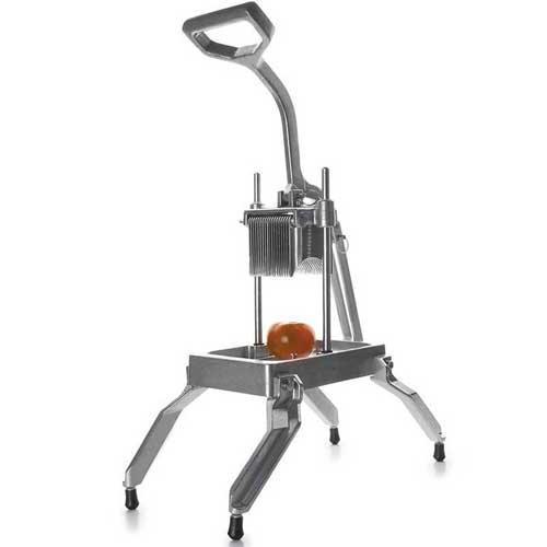 Maquina cortadora de tomates y verduras Lacor 60519 - Profesional - Maquina corta tomates vertical Lacor 60519 para uso profesional en hostelería, comedores, catering, buffet, cocinas industriales. Es una cortadora de tomates y de cualquier verdura o fruta, que se hará imprescindible por su versatilidad y eficacia en cortes precisos, de dos tamaños de espesor diferentes de gracias a sus 2 cuchillas, aumentando la productividad, ahorrando tiempo de trabajo en cocina elaborando ensaladas o postres y permitiendo trabajar de forma cómoda, eficaz y segura gracias a sus cuatro patas de goma de gran sujeción.( ENVÍO GRATIS )- Ver Detalles -