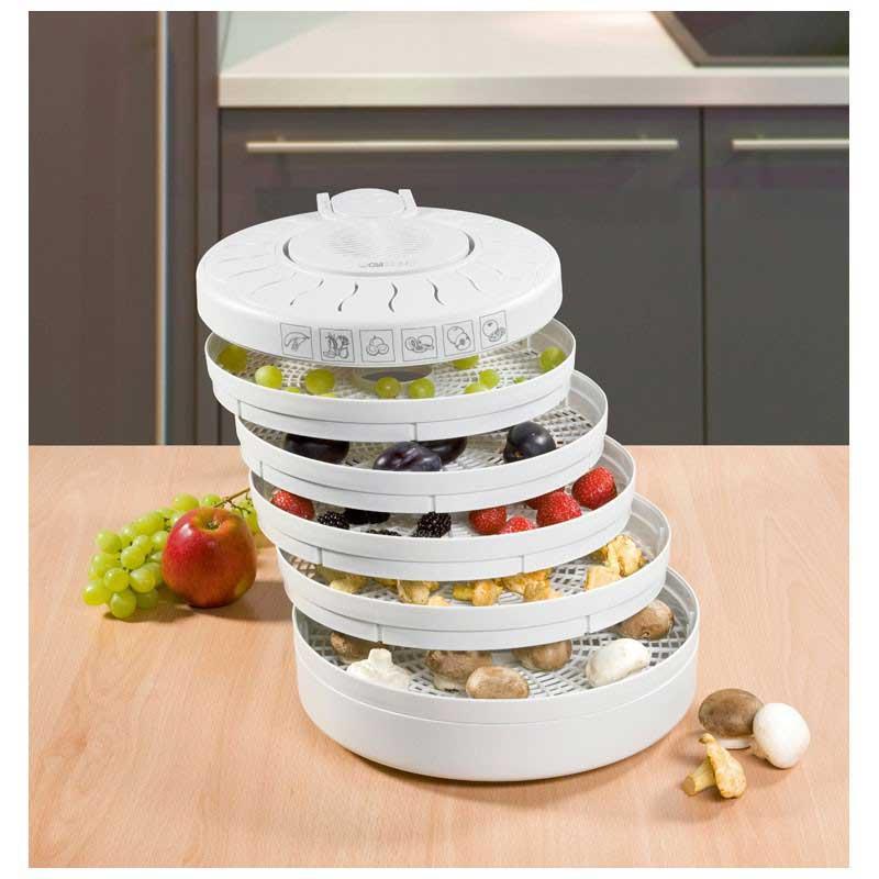 Deshidratador alimentos Clatronic DR2751 - Bomann DR435 - Deshidratadores de alimentos Clatronic para deshidratar o secar fruta, verdura, vegetales, carne o pescado. 5 niveles de funcionamiento. Sistema de re-circulación de aire. Protección contra sobrecalentamiento. Interruptor on-off. - Altura bandejas: 2,7 cm. - Medidas: 285x160x315 mm. - Alimentación: 220-230v, 50-60hz. - Potencia: 250w. - Equivalente a Modelo: Bomann DR535 CB. - Ver Detalles -