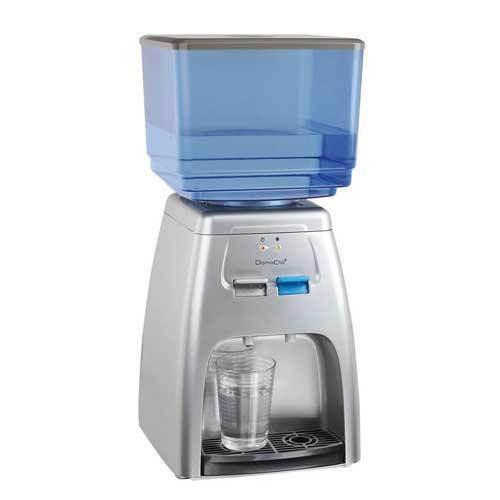 Dispensador fuente de agua DomoClip DOM338 - Fuente de agua, dispensador de agua con tanque extraíble 7 Litros y con refrigeración eléctrica, compatible con la mayoría de las botellas de 1,5 l. a 2 l. ( aunque no se recomienda el uso de botellas ). Suministra agua fresca o templada. 2 testigos luminosos de funcionamiento. Ideal para casa o el trabajo. Botella no incluida. Color: gris. Dimensiones: 23,2 x 24,8 x 50,2 cm. Peso: 3 kg. Voltaje AC: 230 V, 50 Hz, 65 W.