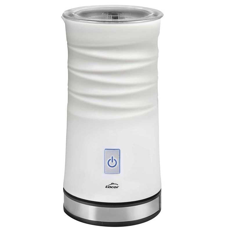Espumador de leche eléctrico Lacor 69396 - 3 en 1 - Lacor presenta el  espumador de leche 3 en 1, que cuenta con 3 funciones diferentes para que puedas calentar la leche o espumar leche fría o caliente. Disfruta de una cremosa y fina espuma en tan solo 100 segundos. Diseñado con materiales de alta calidad con revestimiento anti-adherente, carcasa de tacto frío, y un termostato interno para que la leche alcance la temperatura adecuada y que permite apagarse automáticamente cuando esté lista. Inalámbrico con base de 360º, fácil de rellenar, verter y limpiar. Incluye: 2 accesorios batidores - uno para calentamiento y otro para espuma - , y tapa transparente con soporte para guardar el accesorio batidor no utilizado. Funcionamiento silencioso. - Capacidad espuma: 115 ml. - Capacidad leche: 240 ml. - Medidas: D10x21 cm. - Peso: 0,65 Kg. - Voltaje AC: 220-240v, 50-60hz, 500w.