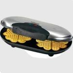 Gofrera Bomann WA525 CB - Clatronic WA3169 - 1400w - Gofrera con carcasa de acero inoxidable y termostato ajustable. 2 lámparas de control de funcionamiento y 2 planchas grandes para Gofres con recubrimientos anti-adherentes. Seguridad contra sobrecalentamiento y asa con aislamiento de calor, regulador electrónico y recoge-cables. Medidas: 34x8x20 cm. Alimentación: 230v, 50hz. Potencia: 1400w. - Mod. equivalente: Clatronic WA 3169.