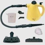 Limpiador a vapor Clatronic DR2930 - Bomann DR977 - 1000w - El limpiador al vapor, limpia, desinfecta y desengrasa en una temperatura de 100 ºC sin dejar residuos de cal ni marcas de limpieza. 3,5 bares de presión de agua. Depósito de agua de 220 ml. Protección contra sobrecalentamiento y contra sobre presión. Cable largo de 5 metros. Incluye 8 accesorios: Pieza sobrepuesta de cepillo, tobera, ángulo, tela no tejida, limpiar ventanas y de limpieza universal, tubo flexible, copa graduada. Potencia 1000 w. DESCATALOGADO : Sustituido por Mod. Clatronic DR3653.