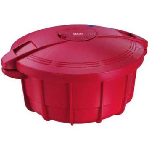 Olla a presión para microondas Sogo OLL-SS-10775R - Olla a presión para microondas Sogo. Combine Microondas y Olla a Presión. Cocina un 40% más rápido y ahorra energía. Construido con calidad superior de plástico alimentario, para soportar el calor y la presión. Diseño único acanalado para reforzar la olla. Capacidad de 3,25 litros. Solo tendrá que introducir los ingredientes configurar el temporizador y listo. Patentado y homologado con los certificados: CE, ROHS, LFGB Y REACH. Color: Rojo - R -. - Volumen producto: 4 litros. - Medidas: 31x26x16 cm. - Peso: 1,1 kg. - 5 funciones de seguridad. + Ver Detalles +