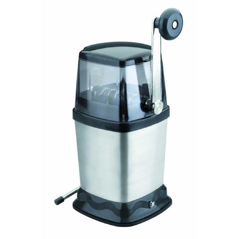 Picadora de hielo manual Lacor 60327 - Picadora trituradora de hielo manual Lacor 60327, para triturar, picar y trocear hielo para bebidas tropicales, granizados, cócteles, o como base en presentaciones de alimentos fríos como mariscos y frutas. Por el diseño y tamaño compacto de estas picadoras de hielo son ideales para uso domestico y que no requieran un uso intensivo. Solo introduzca hielo de tamaño reducido por el orificio superior de entrada y el hielo picado empezará a salir por el orificio hacia el contenedor, manejo muy sencillo y cómodo. Estas picadoras de hielo disponen de cuchillas de acero que parten el hielo fácilmente, y ademas un sistema de ventosa que las fija a la mesa de trabajo dándole estabilidad y firmeza impidiendo que se mueva mientras activamos su manivela. - Material: acero inoxidable 18-10 - Medidas: 23x16x12 cm. - Peso: 0,96 kg.
