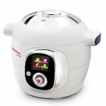 Robot de cocina Moulinex Cookeo CE7011 - El robot de cocina Moulinex Cookeo CE7011 es un robot de cocina inteligente que te guiará paso a paso. Dispone de gran cantidad de recetas e ingredientes programados. Pantalla digital interactiva, intuitiva, te guia paso a paso. Capacidad 6,3 Litros - de 2 a 6 comensales -. Panel de control fácil e intuitivo con 4 menús:  - Ingredientes: cocina tus alimentos de manera perfecta, sin preocuparte por el modo o tiempo de cocción. Cookeo te indica los pasos a seguir. - Recetas: elige entre numerosos platos pre-programados e indica el número de comensales. Cookeo te guiará paso a paso. - Favoritos: memoriza tus recetas preferidas y luego ¡podrás acceder a ellas con un solo clic! - Manual: cocina a presión, al vapor, dorar y recalentar. Tu controlas el modo y el tiempo de cocción. Con sólo un botón te guiará paso a paso. Tecnología alta presión, para que prepares la mayoría de tus recetas en sólo 15 minutos. El software incluye recetas pre-programadas: entrantes, platos principales y postres e infinidad de ingredientes. Ajuste automático de la temperatura y tiempo. Función mantenimiento en caliente: sirve tus platos calientes aunque haya pasado una hora y media desde su preparación. Bol de cocción anti-adherente extraíble, resistente bol que podrás transportar a la mesa. Cierre seguro automático. Incluye cesta para cocinar al vapor. Asas para su transporte. Tapa y bol aptos para el lavavajillas. El 80% de las recetas las prepara en menos de 11 minutos, sin contar el tiempo de dorar y pre-calentar.- Ver Detalles y VIDEO-