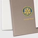 Carpeta UNIBIND Steelbook A4 Aluminio - 10 Unidades - Carpeta rígida tipo libro Unibind Steelbook con lomo de acero y color aluminio, tamaño A4 vertical. - Especifique el grosor en DETALLES -
